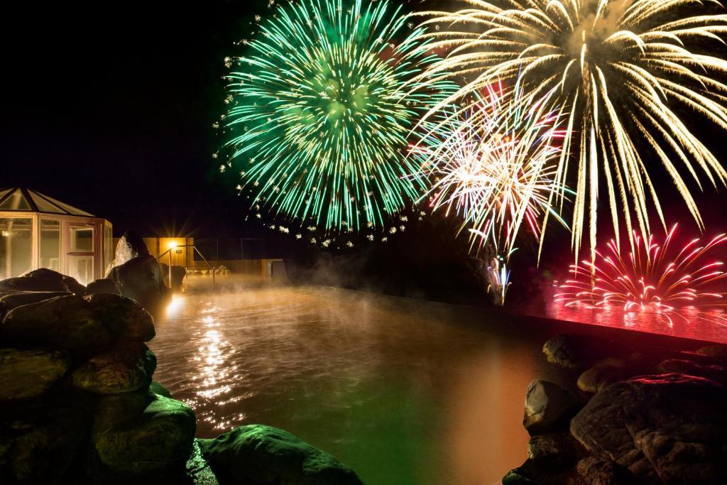 ポイント3.洞爺湖での打ち上げ花火