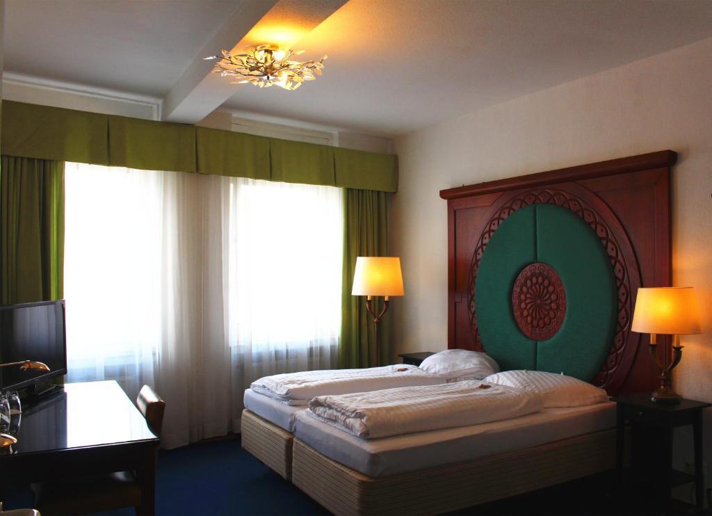 hotel restaurant heute deutschland frechen. Black Bedroom Furniture Sets. Home Design Ideas