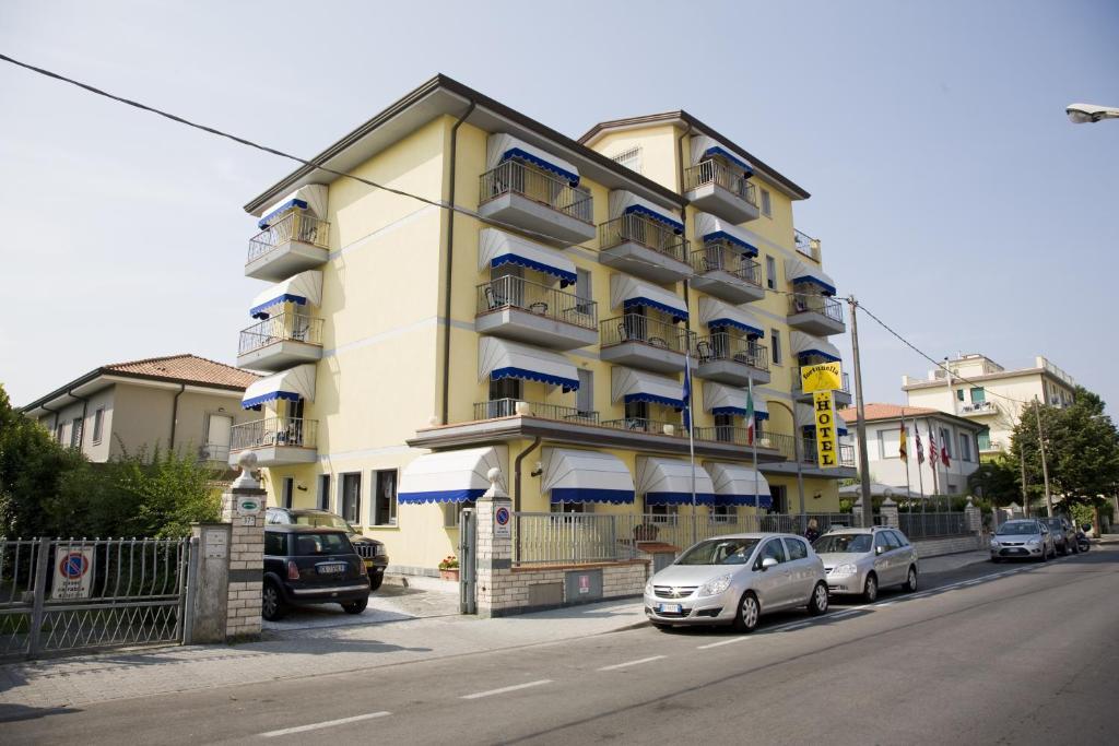 Hotel Fortunella, Lido di Camaiore, Italy - Booking.com