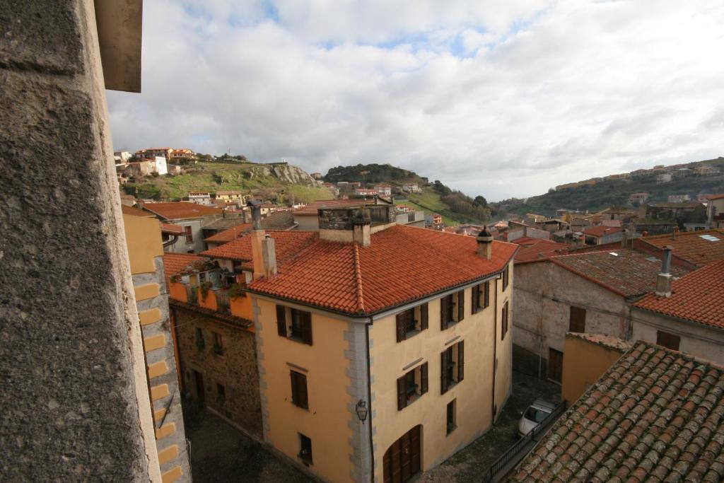 Vacation Home Casa in pietra, Santu Lussurgiu, Italy - Booking.com