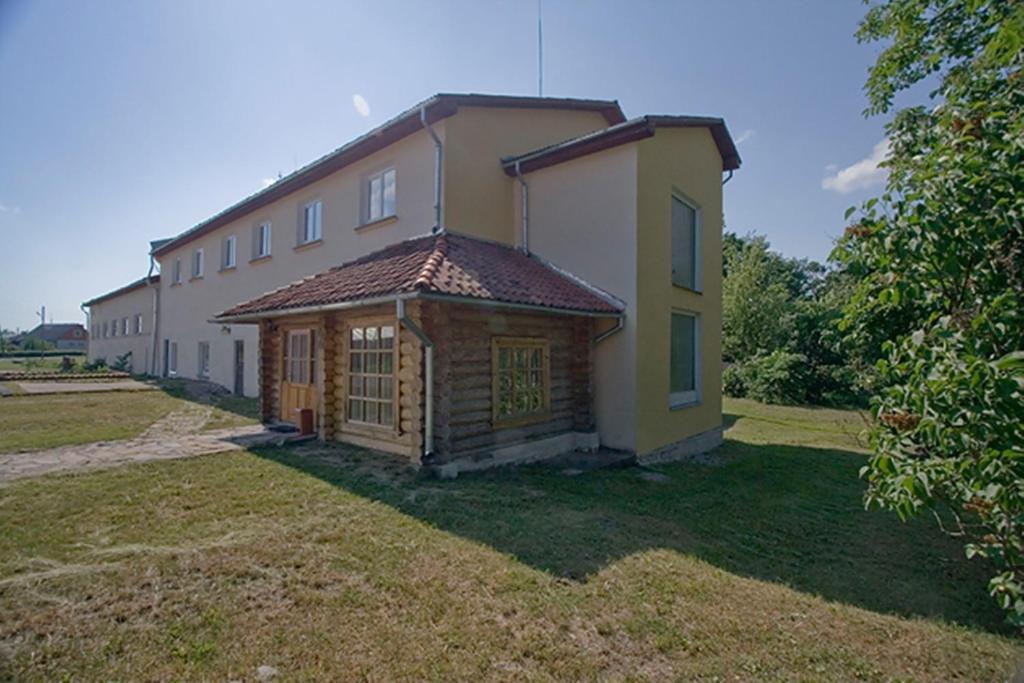 Ēka, kurā atrodas motelis