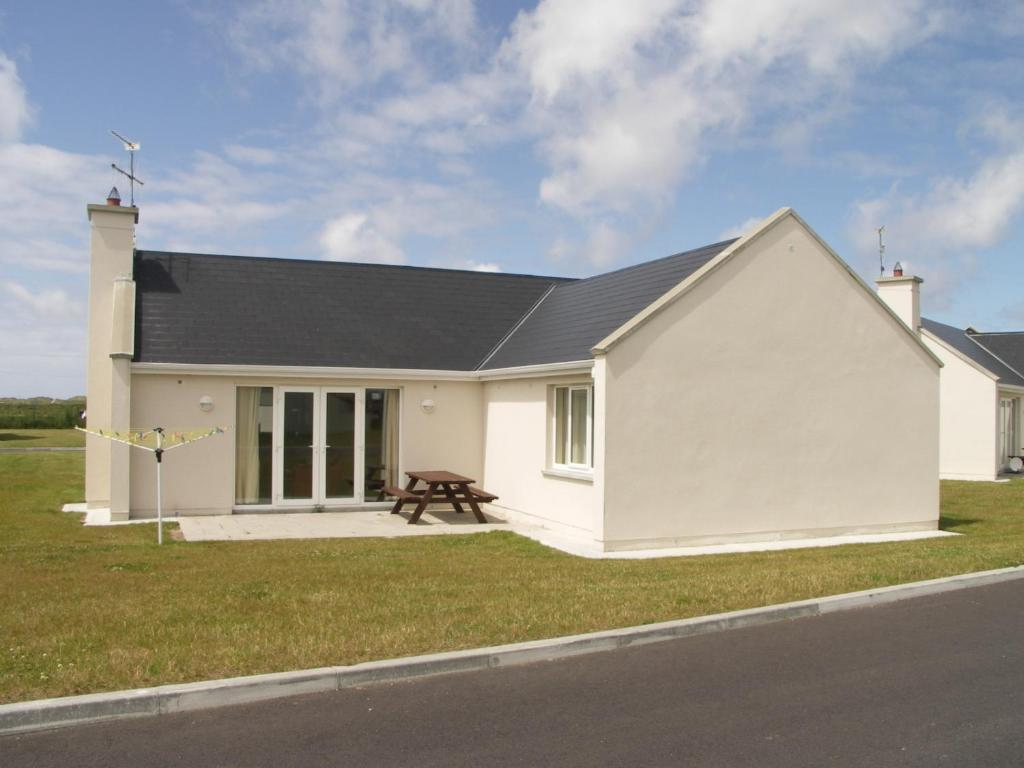 Banna beach holiday homes ard fhearta ireland for Tralee swimming pool timetable