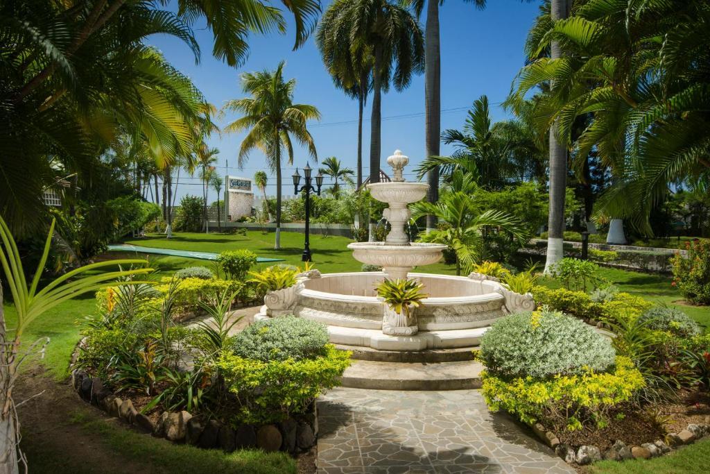 Sea Garden Beach Resort Jamaica