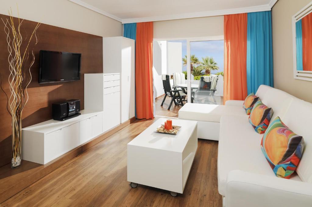 Bonita foto de Regency Torviscas Apartments and Suites