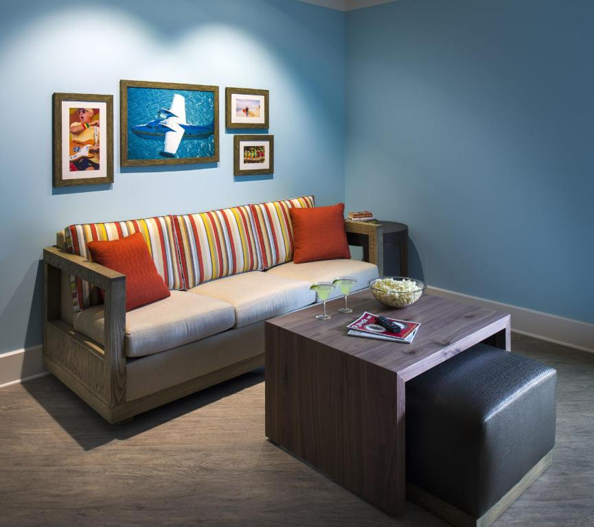 Margaritaville Island Hotel  Pigeon Forge  TN   Booking com. 2 Bedroom Suite Hotels In Pigeon Forge Tn. Home Design Ideas