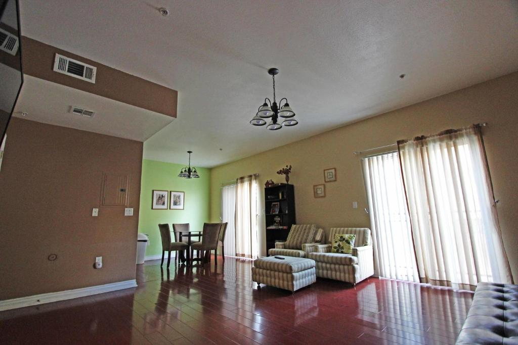 Apartments In Van Nuys California