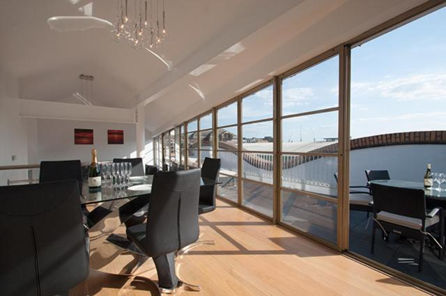 Apartment Inside Tower Bridge penthouse apartment london bridge, uk - booking