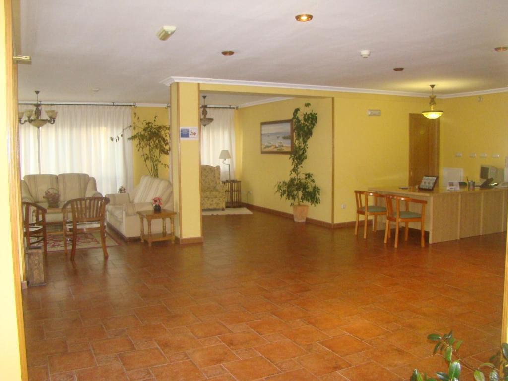 gran imagen de Apartamentos Peña Mar