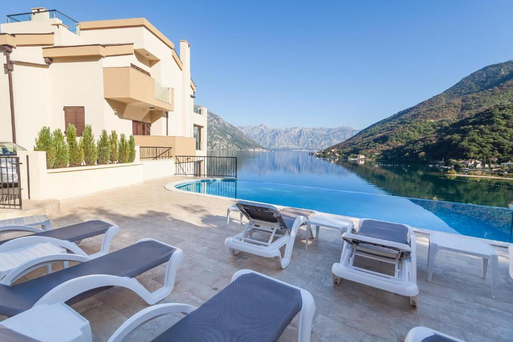 The swimming pool at or near Sunshine of Montenegro Apartments