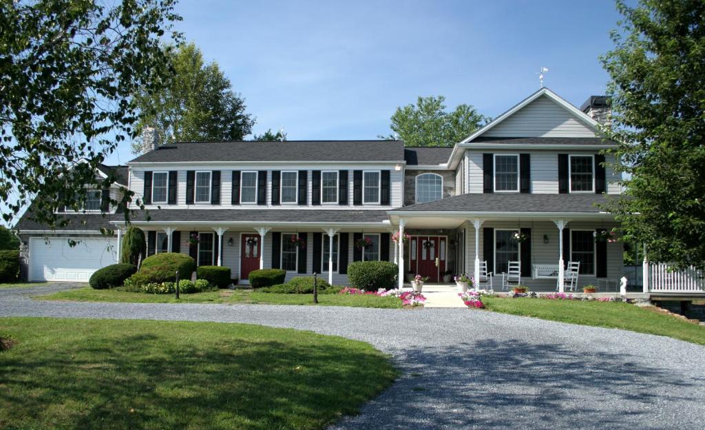 The Inn At Westwynd Farm Hershey Pa Bookingcom