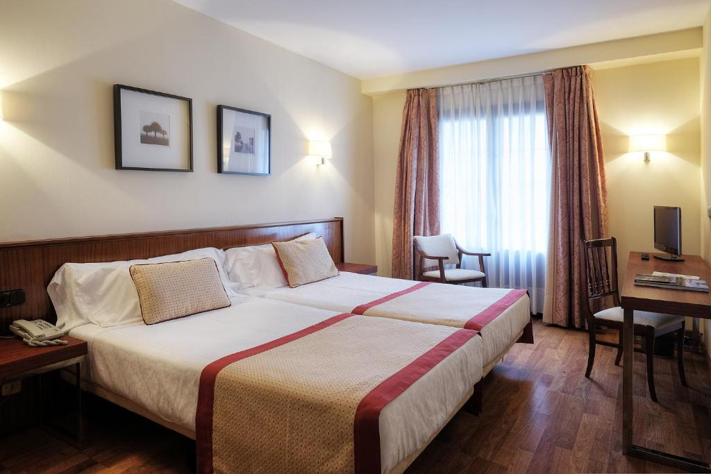 Hotel y Apartamentos Arias, Navia – Precios actualizados 2018