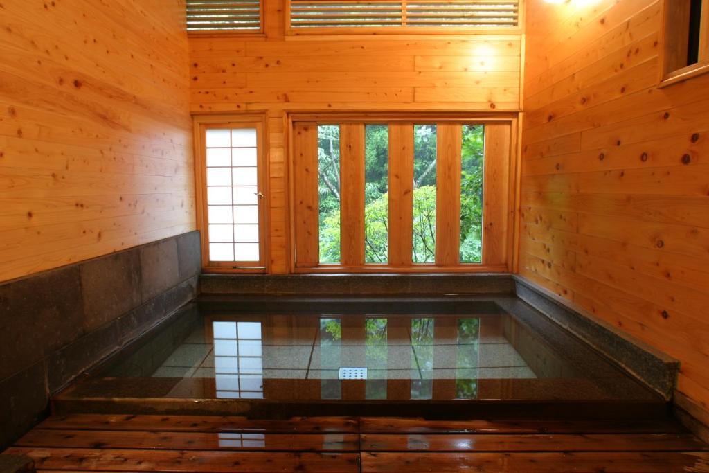 ポイント2.自然を近くに感じる露天風呂