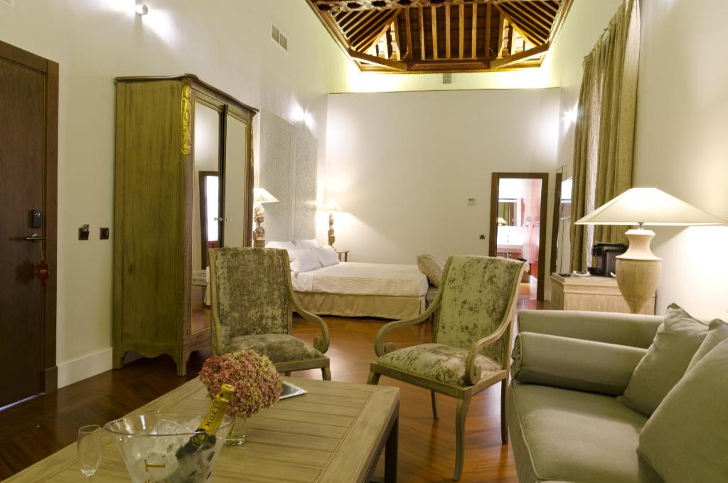 boutique hotels in sevilla  172