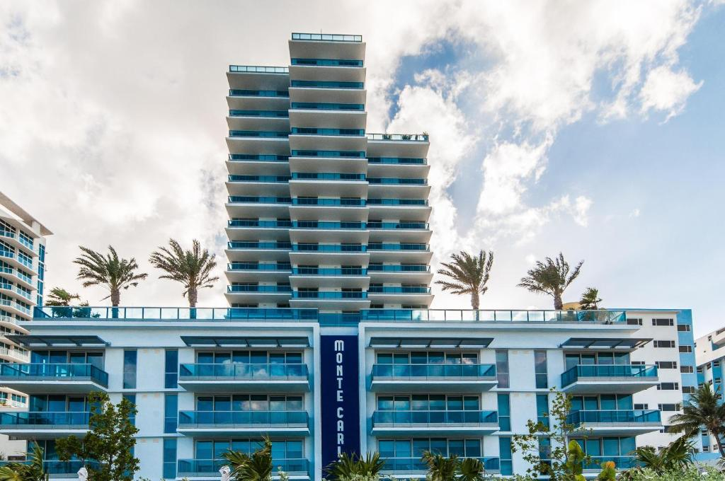 Apartment Modern Geometry at Monte Carlo, Miami Beach, FL ...