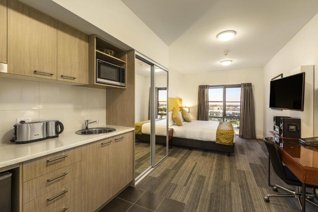 Studio Apartment Melbourne condo hotel quest melbourne airport, australia - booking