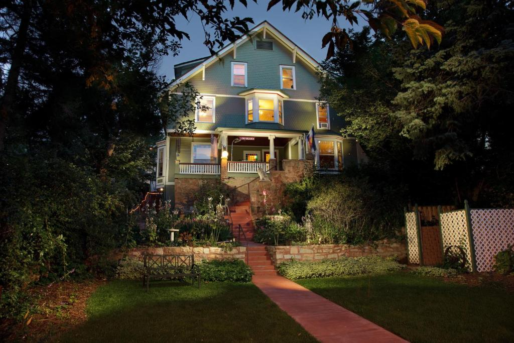 Avenue Hotel Bed and Breakfast, Manitou Springs – Updated