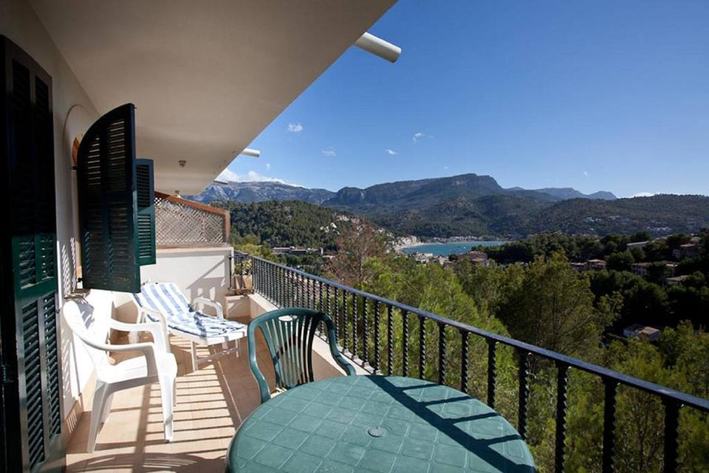 Apartments In Biniaraix Majorca