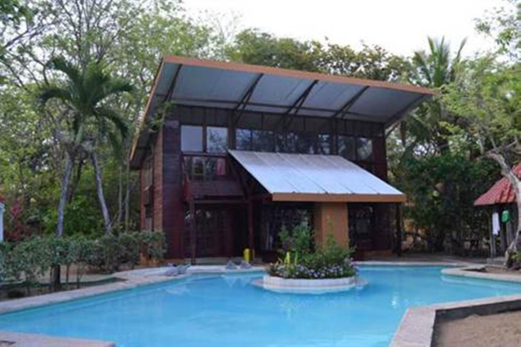 casa madera playa grande costa rica deals