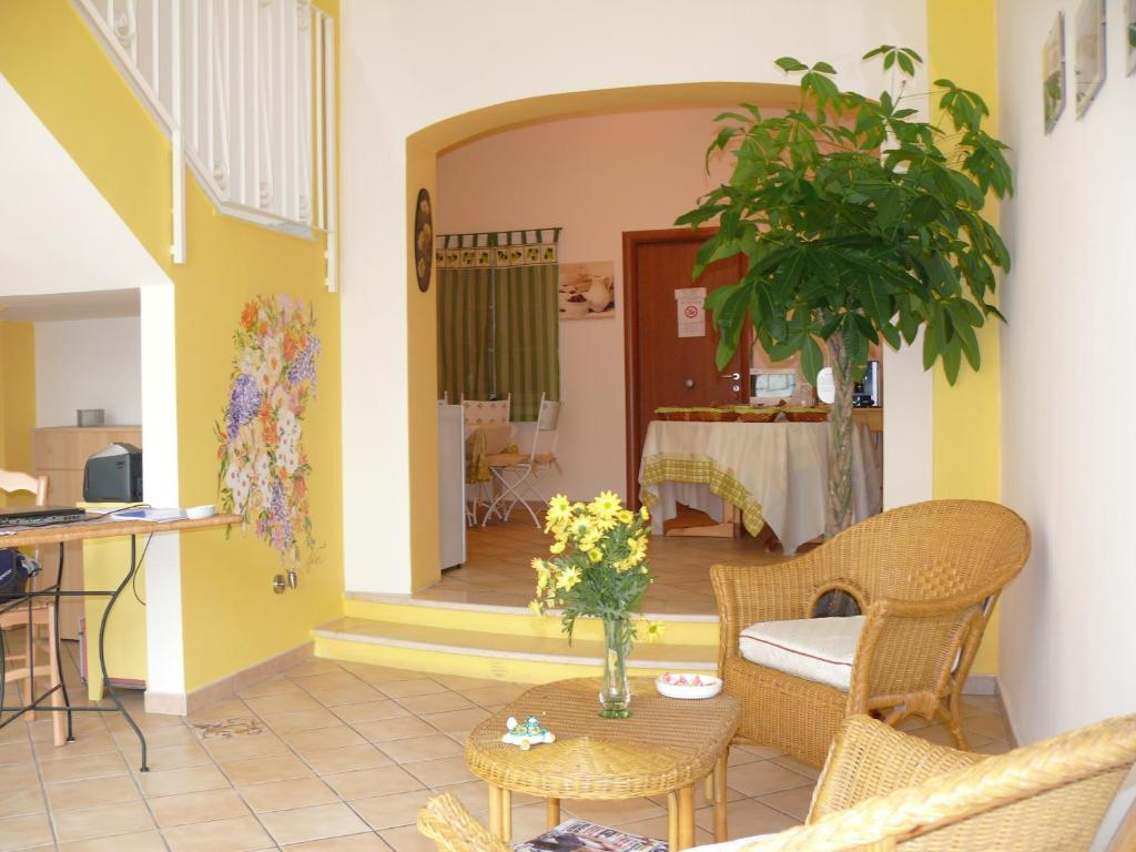 The lobby or reception area at B&B San Martino