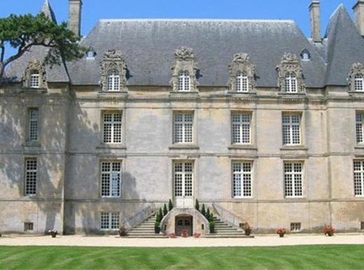 Maison D Hotes Chateau Francois D O France Courseulles Sur Mer
