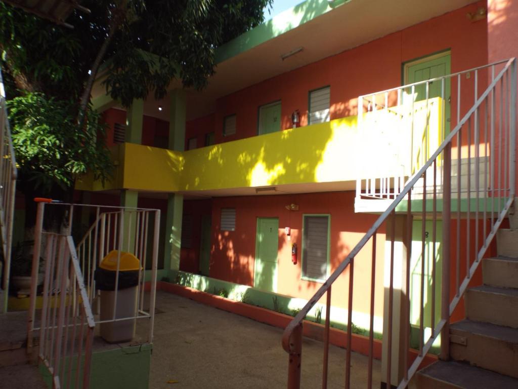 Tropical Court Inn Kingston Jamaica Booking Com