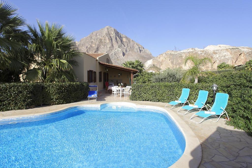 Nearby hotel : Villa Elisa
