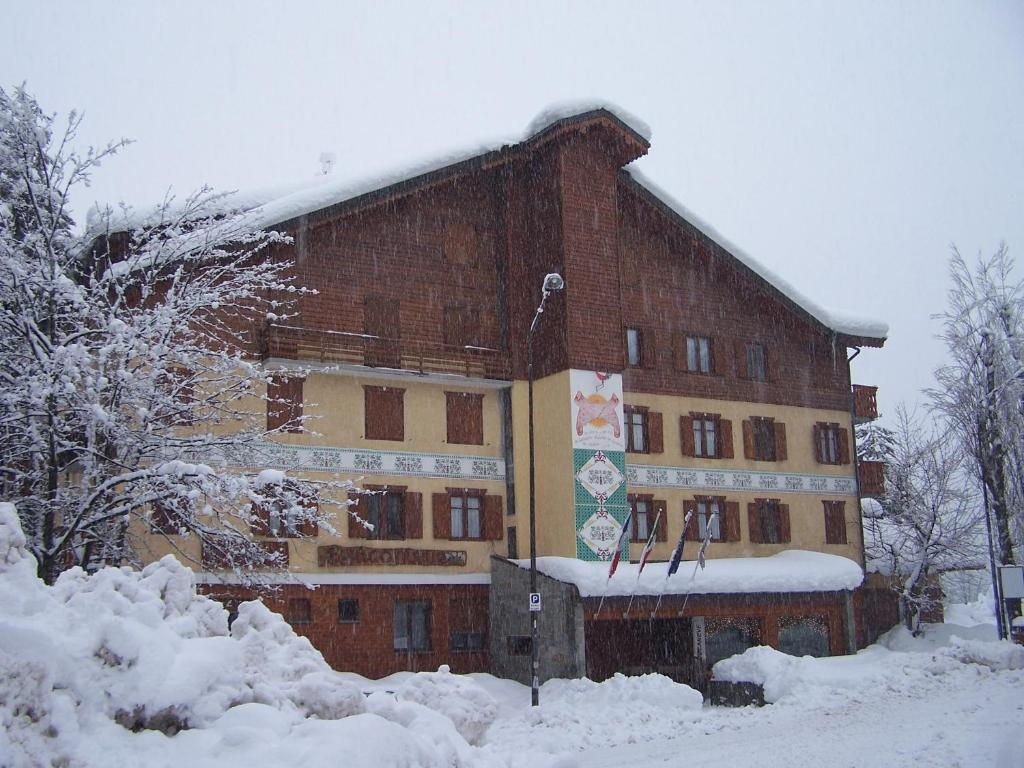 Hotel Bucaneve during the winter