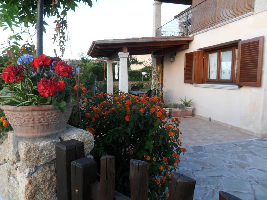 Giardino Pietra Rossa Sardegna : Villa pietra rossa budoni u2013 prezzi aggiornati per il 2018