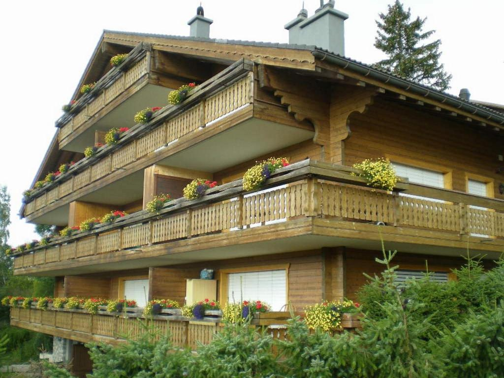 Appartement syrah 4 crans montana switzerland for Booking appartement