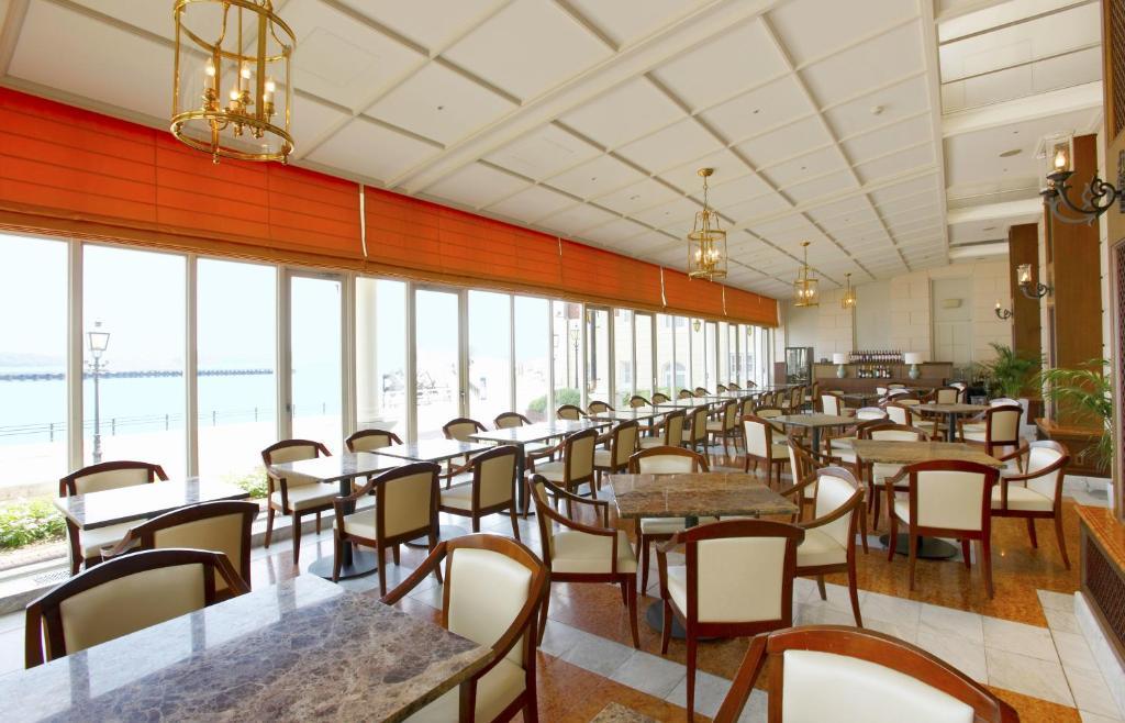 ポイント2.長崎の食材とオーシャンビューが楽しめるレストラン