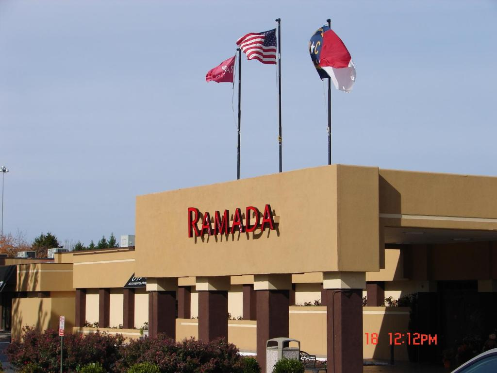 Ramada Hotel Charlotte Airport & Conference Center