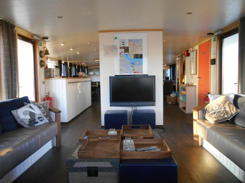 Unieke Woonkamer Iris : Hotelboat iris nederland amsterdam booking.com