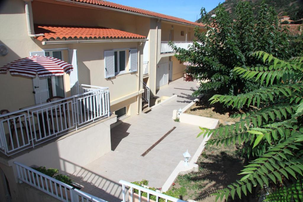 Apartments In Renno Corsica