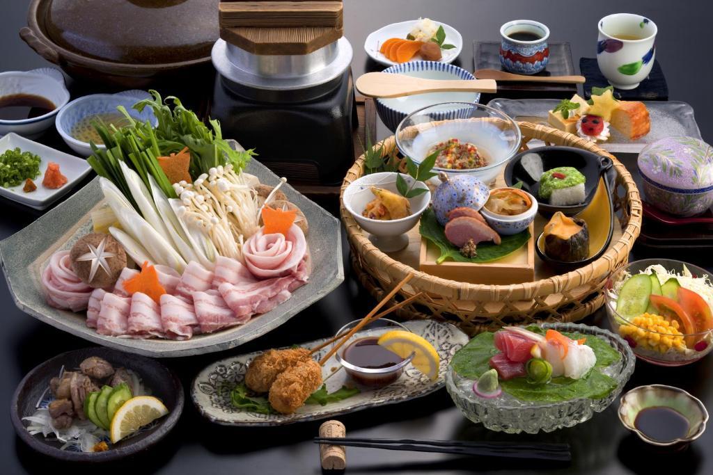 ポイント1.宮崎牛や新鮮野菜が美味しい!こだわりの夕食