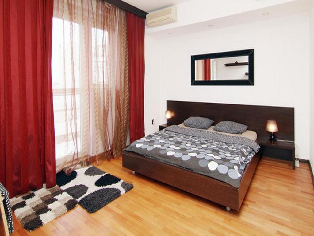 Un pat sau paturi într-o cameră la NEC Accommodation