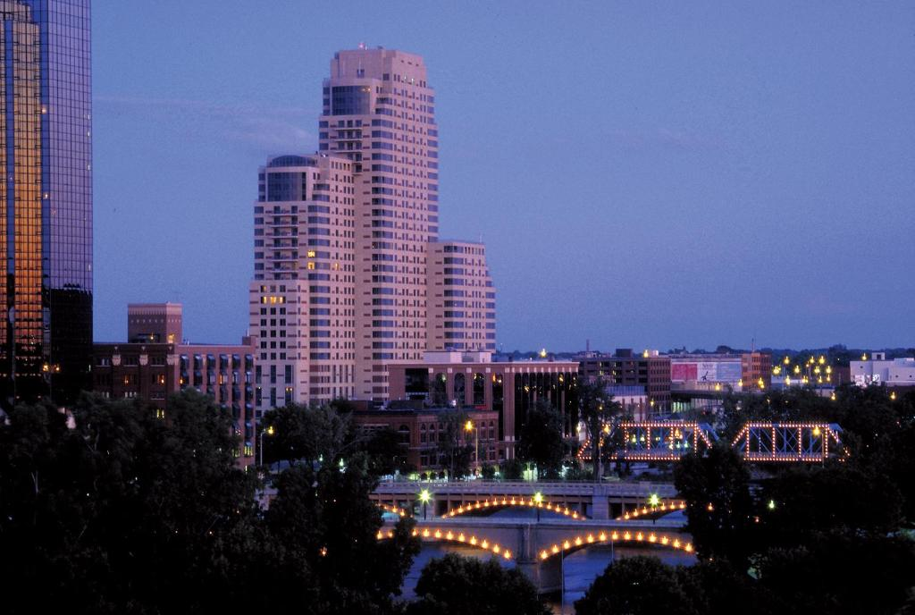 Downtown Grand Rapids | Nightlife, Restaurants & Shopping