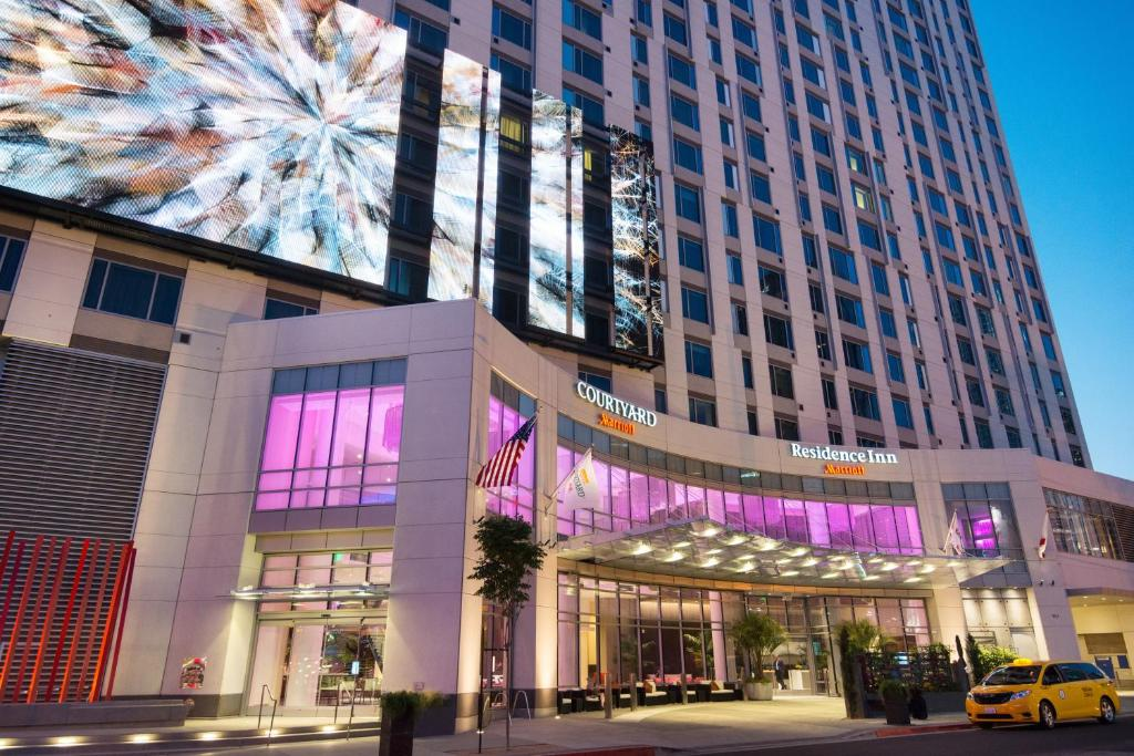 Courtyard by Marriott Los Angeles L.A. Live.