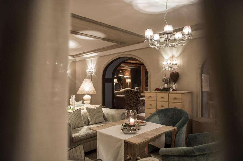 Rosa Alpina Hotel Spa San Cassiano Italy Bookingcom - Hotel and spa rosa alpina