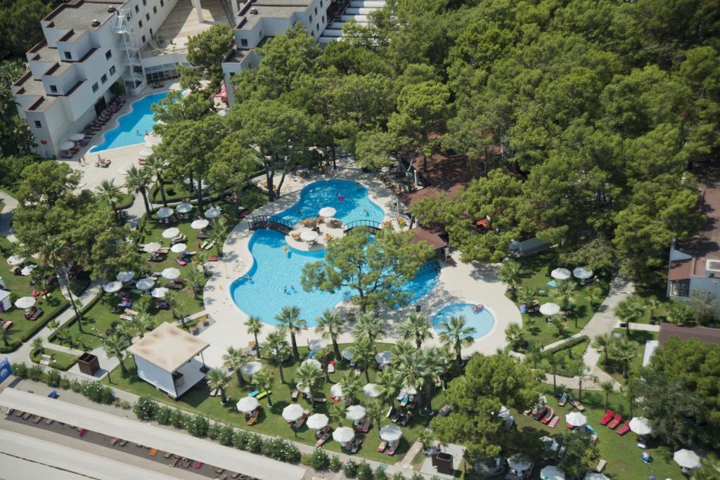 Прекрасный отель для семейного отдыха в Кемере (Турция)!