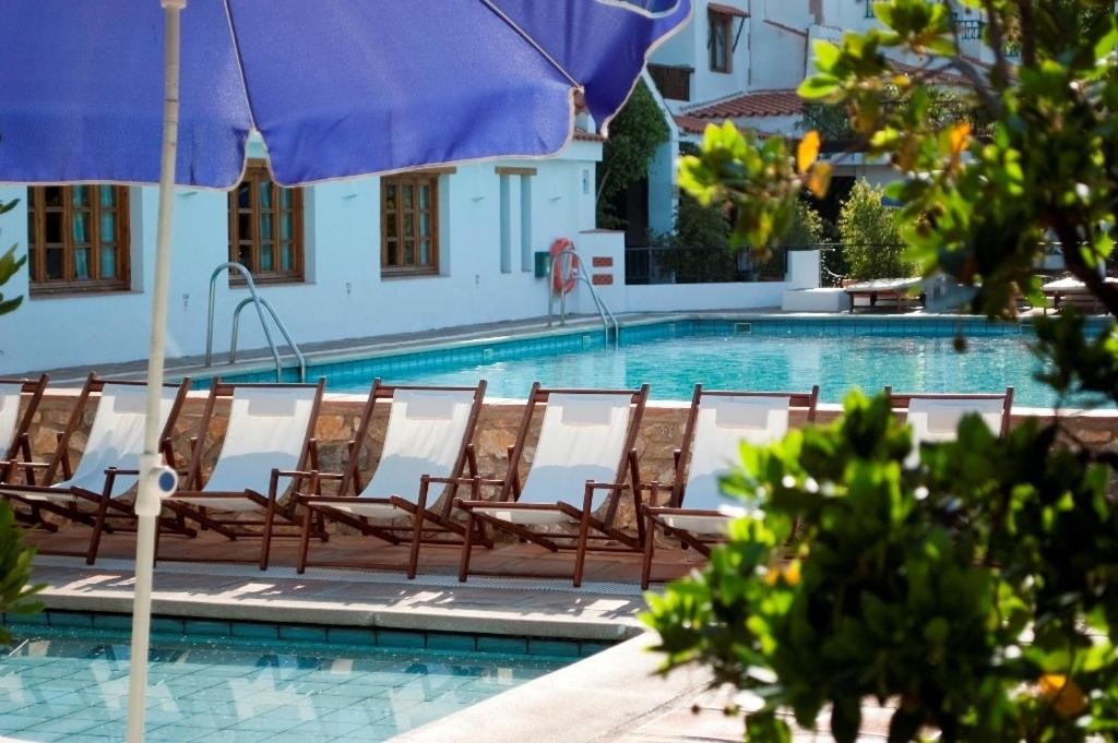 The swimming pool at or near Hotel Alcadima