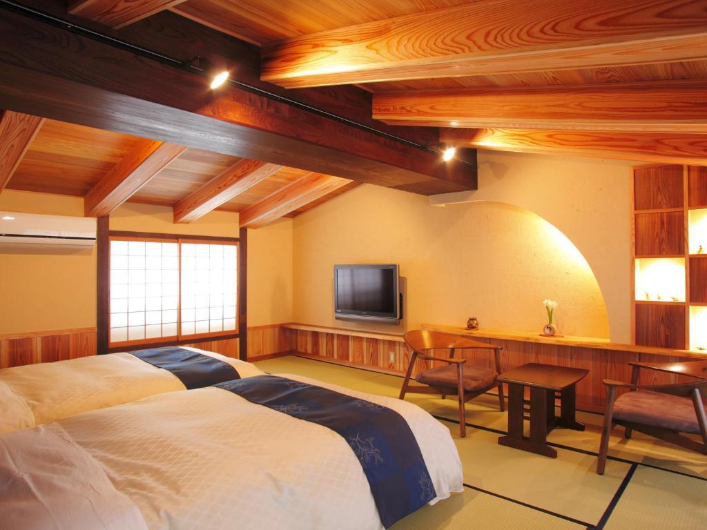 ポイント1.のんびり足を伸ばして寛ぐ客室