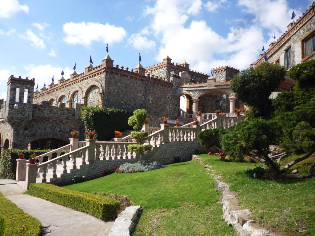 Hotel castillo santa cecilia m xico guanajuato - Hotel castillo de ayud ...