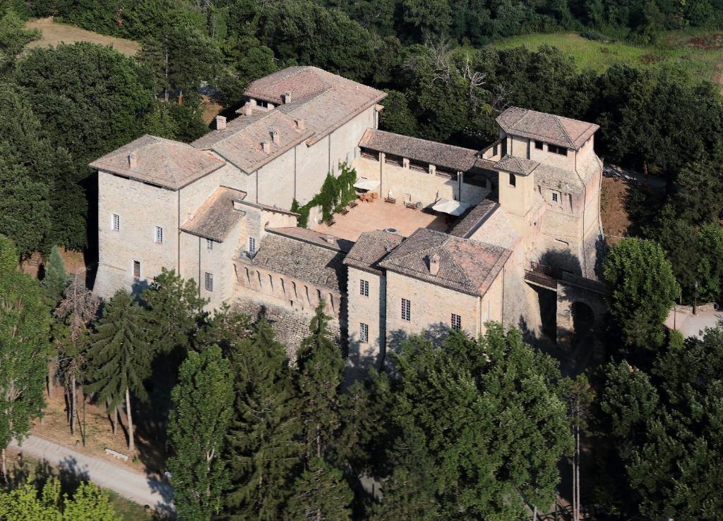 Casa di campagna castello di felino italia felino for Disegni casa castello