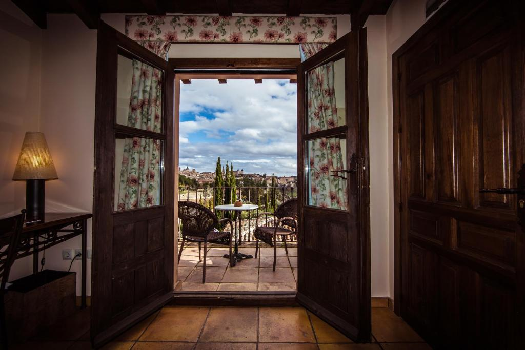 boutique hotels in toledo  23