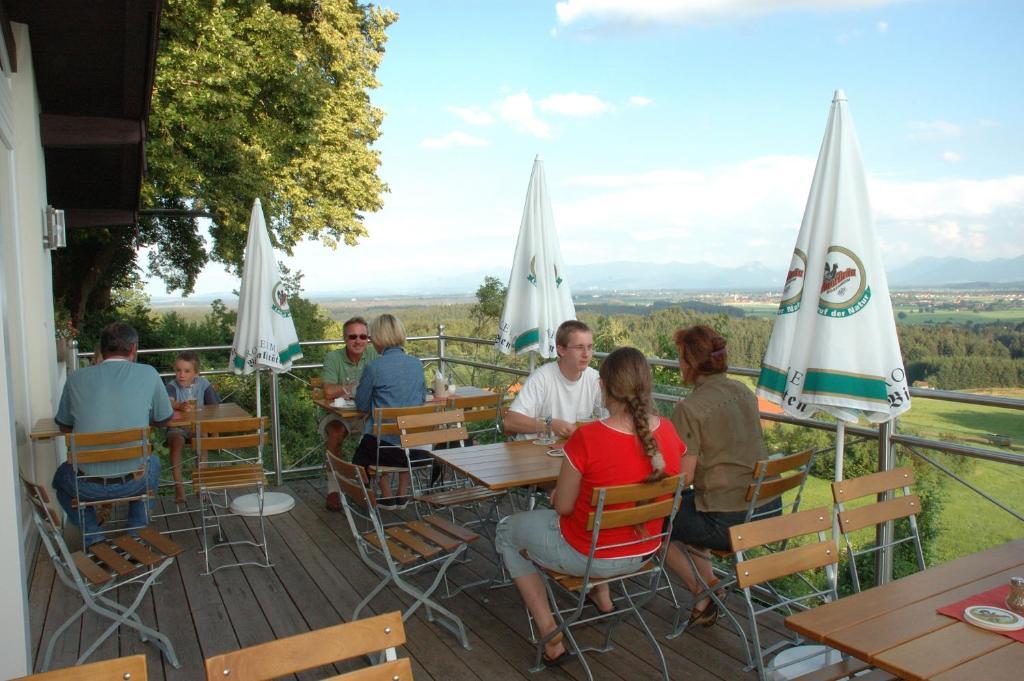 Hotel Schonen Aussicht Deutschland Kleinhohenrain Booking Com