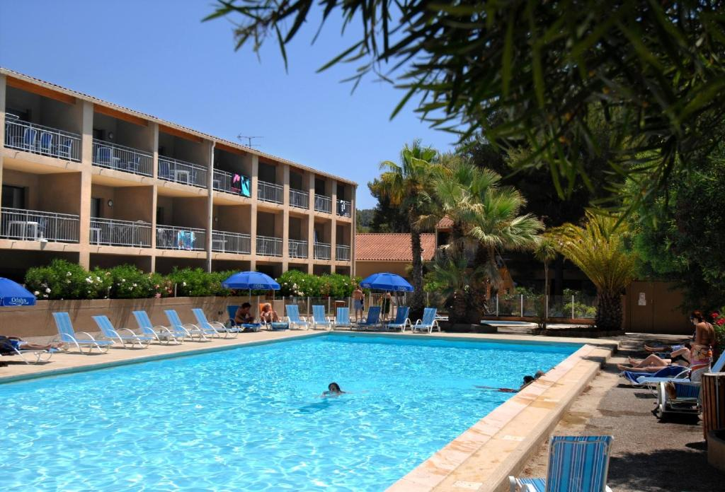 Hotel Sanary Piscine
