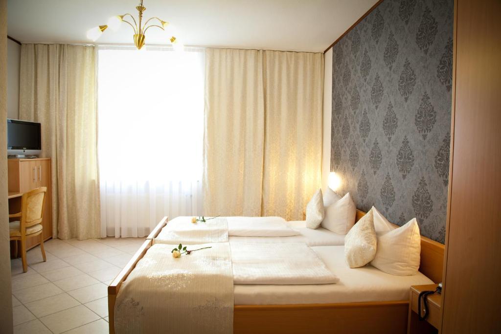 Mini Kühlschrank Düsseldorf : Hotel engelbert deutschland düsseldorf booking