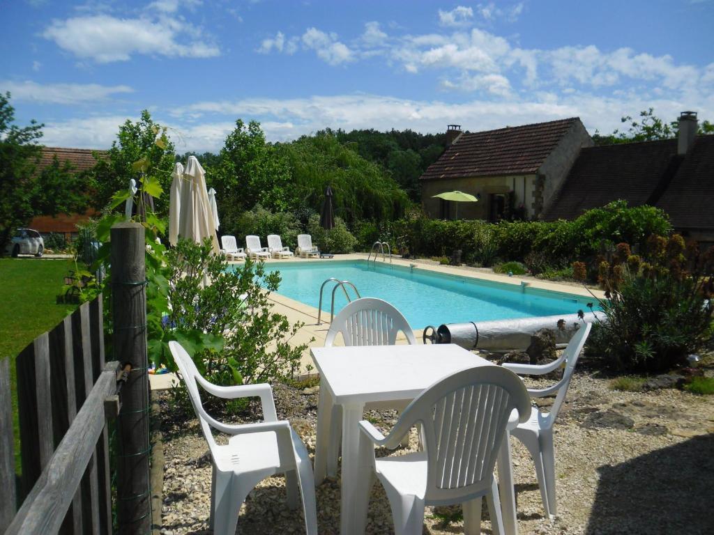 Apartments In Rouffignac Saint-cernin Aquitaine