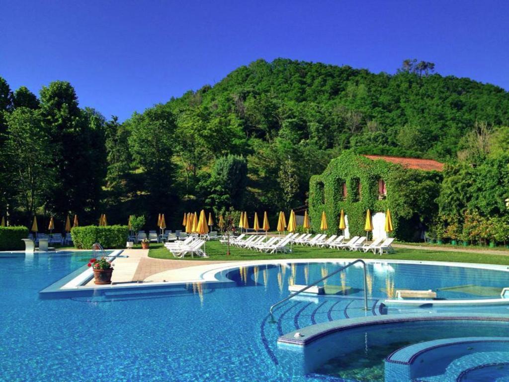 Hotel terme preistoriche italien montegrotto terme - Foto di piscine ...