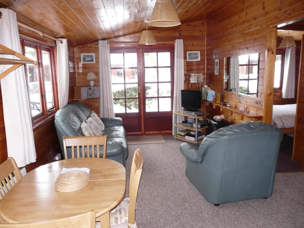 Log Cabin from Log Cabins Lakeland - Ambleside 4.0m x 3.0m